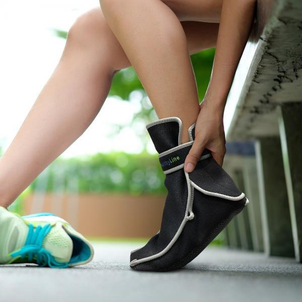 Foot Pain Leg of woman which runner athletic by running shoes si